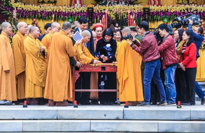 Phó chủ tịch nước dự lễ khai ấn lễ hội Yên Tử